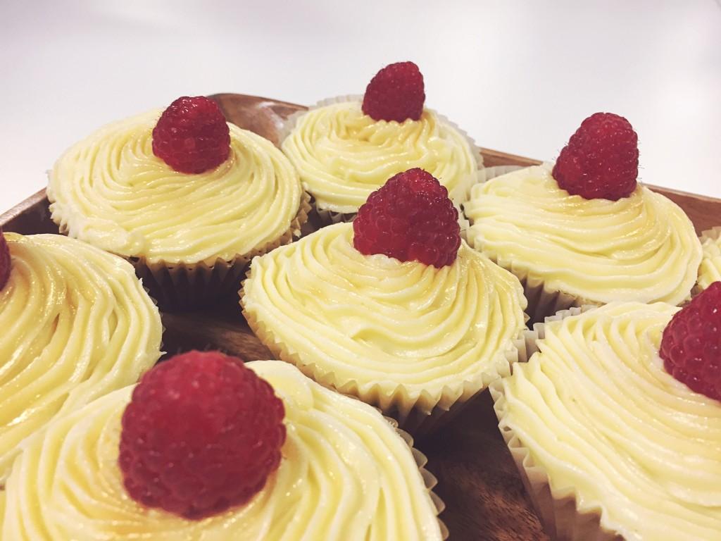 lemonraspberrywhitechoccake1