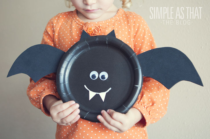 Paper Plate Bats | Easy Halloween Crafts for Kids